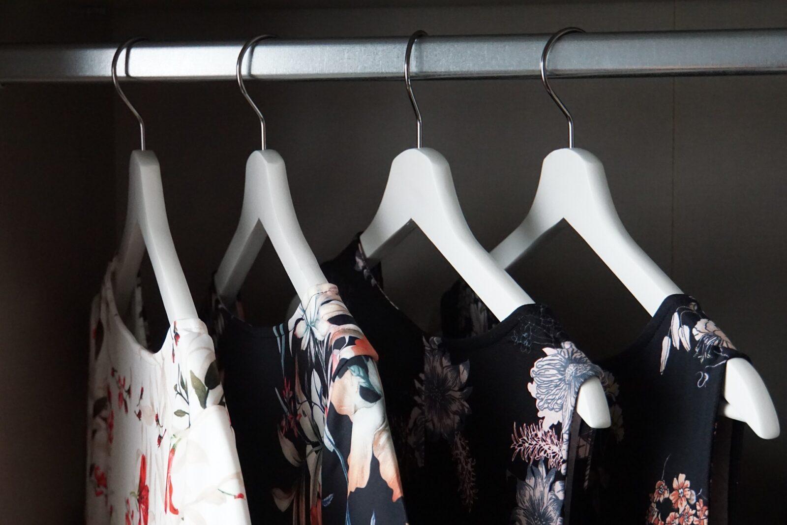 Sanfter Minimalismus im Kleiderschrank