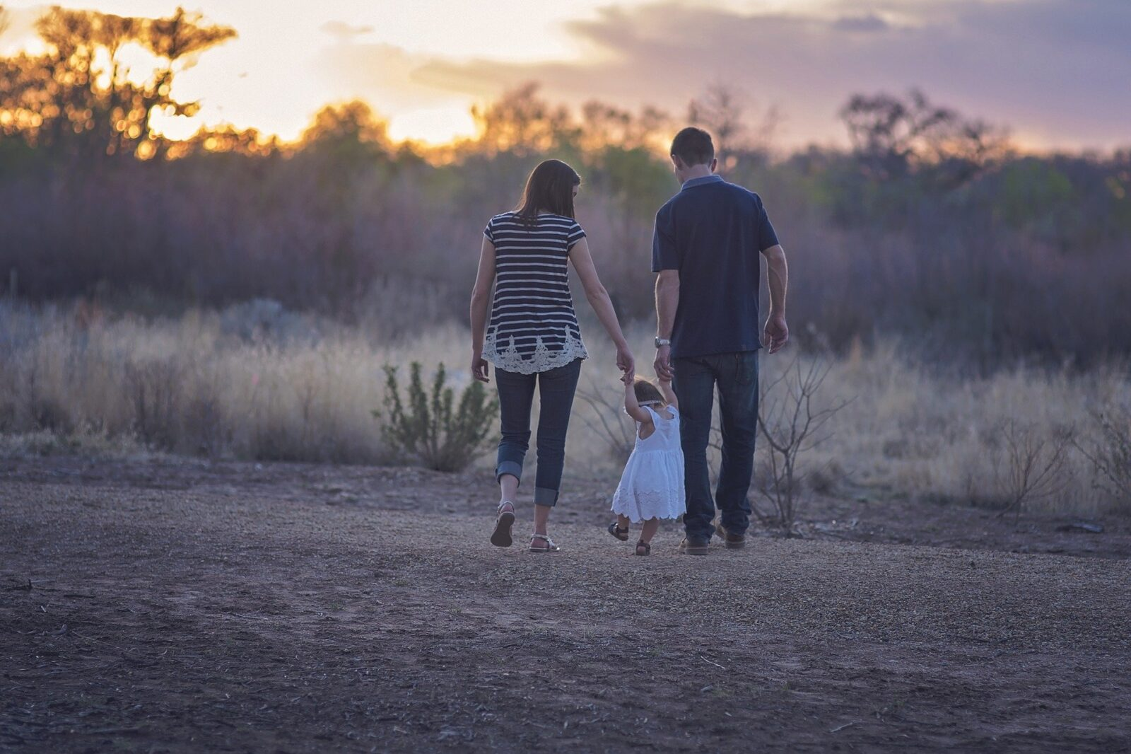 Read more about the article 5 Minimalismus-Tipps für Familien oder warum weniger mit Kindern manchmal mehr ist